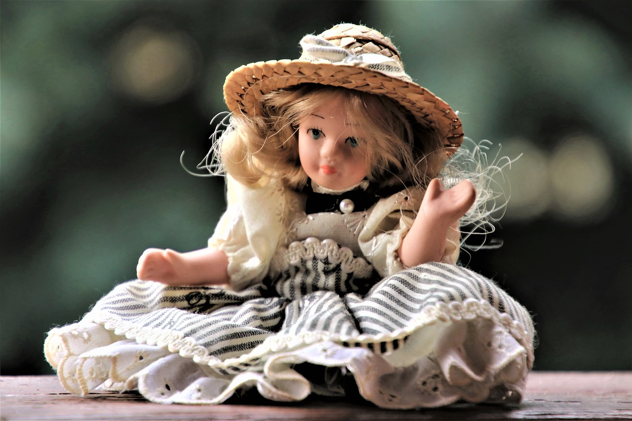 """#StorySmuse #Doll """"A father's doll"""""""